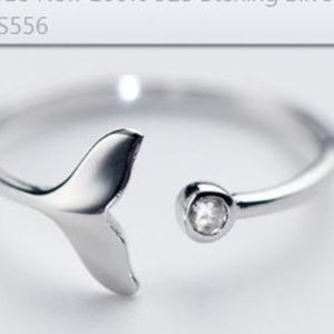 Other - Sterling silver dolphin tail ring CZ gem 4-6